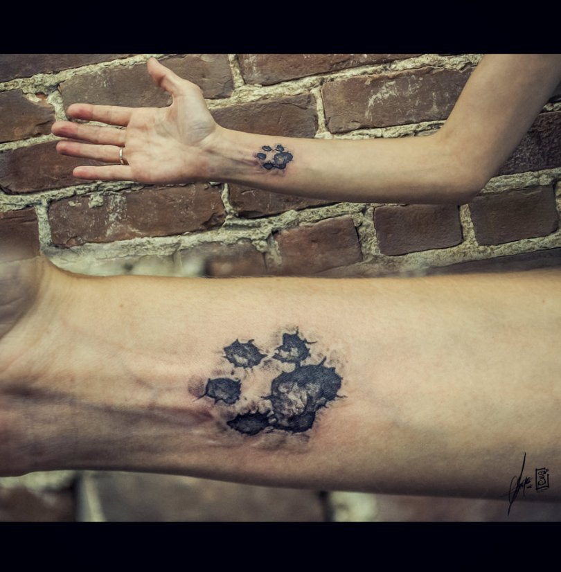 Cool Classic Dog Paw Tattoo Designs For Boys