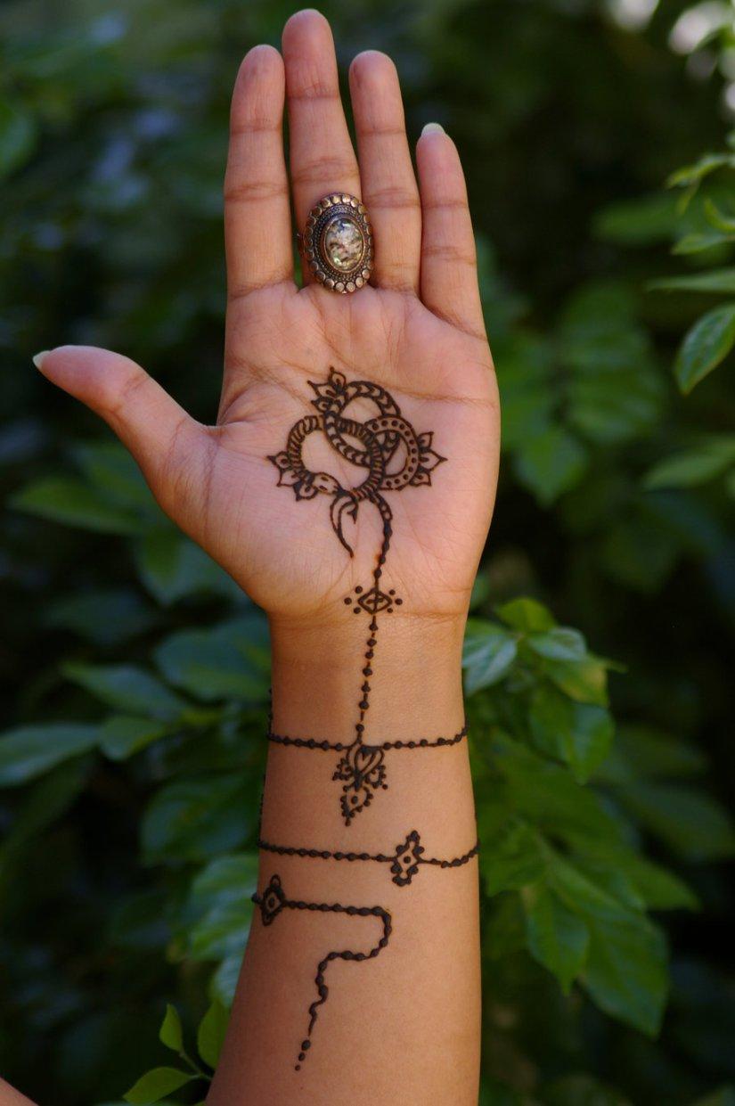 Custom Jewelry Henna Tattoo For Girls