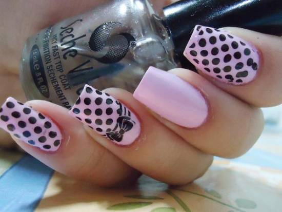 Dashing Black And Pink Nails With Dot Design