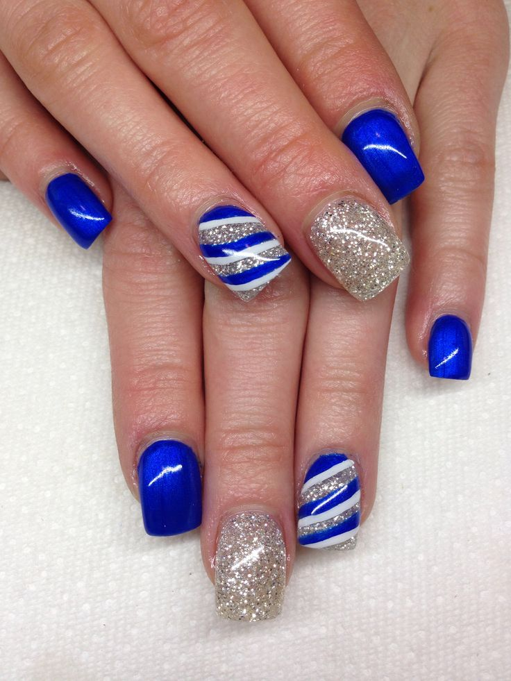 Dashing Blue Nail Art With Silver Nail Art