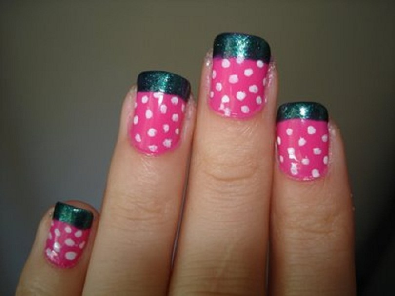 Fabulous Black And Pink Nails With White Dot