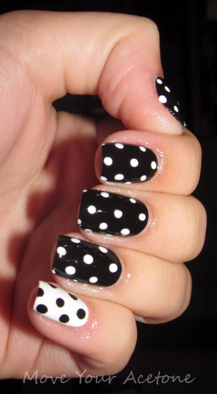 Fabulous Black And White Polka Dot Nail Art With One Full White Color Paint