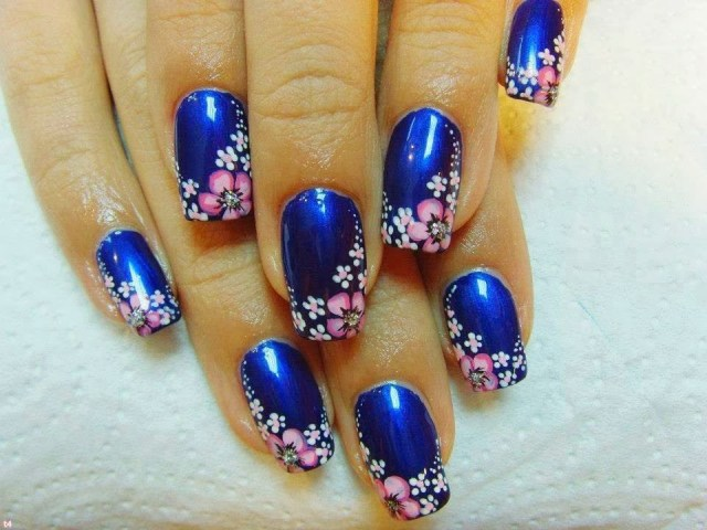 Fabulous Blue Nail With Pink Flower Design