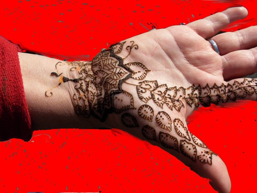 Famous Hand With Henna Tattoo Design For Girls