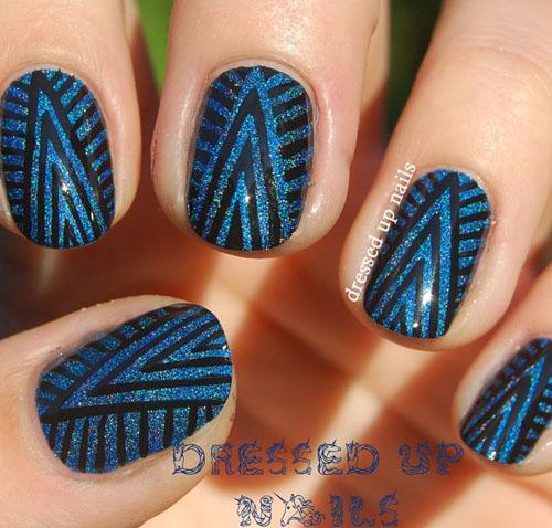 Fantastic Blue Nails With V Shape