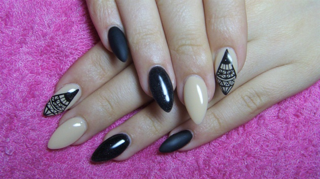 Fantastic Black And Beige Nail Art With Diamond Design