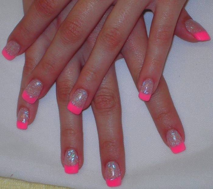 Fantastic Pink Sparkling Nail Pink Acrylic Nail Art Design