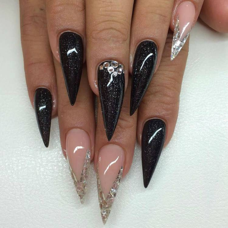 Fantastic Stiletto Nails With Sharp Nail Design