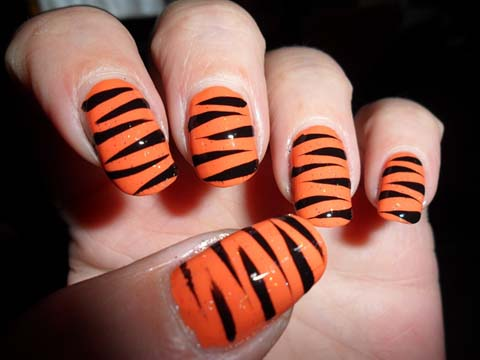 Glossy Black And Grey Nails With Tiger Print