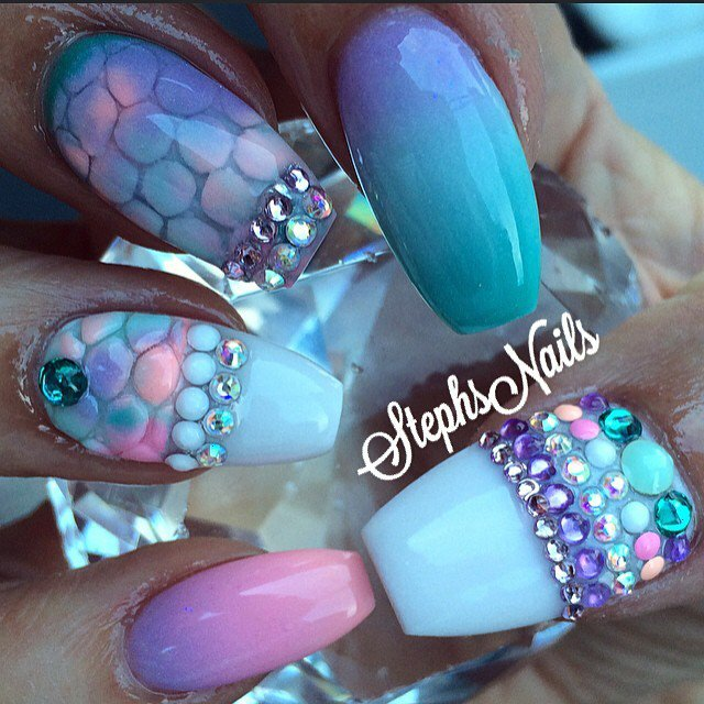 Great Blue Nail Art With Crystal Design