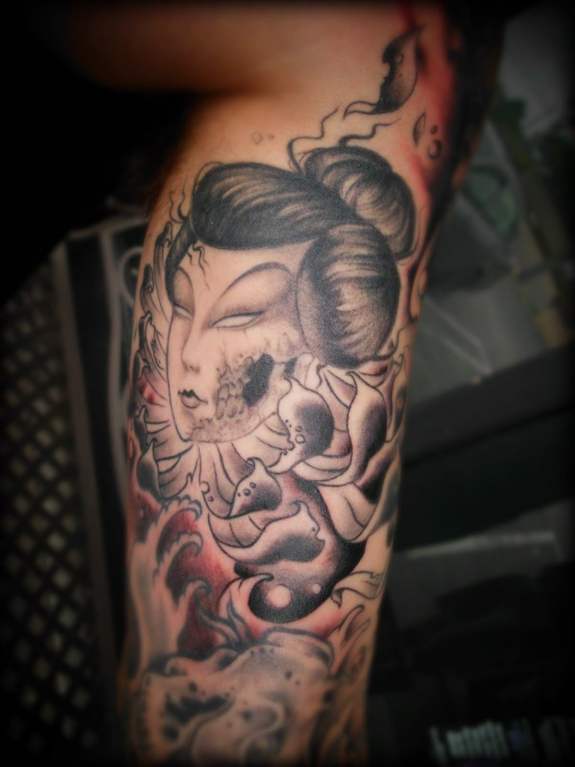 Groovy Geisha Tattoo Design For Boys