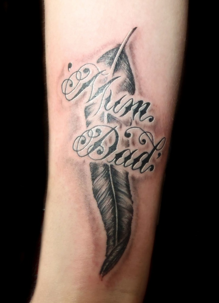 Most Beautiful Mum Dad Feather Tattoo Design For Boys