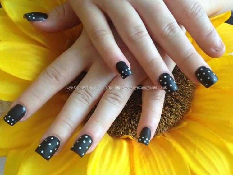 Most Incredible Black And White Polka Dot Nail Art With Short Nails