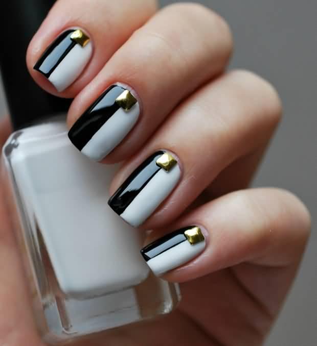 Most Stunning Black Nail Art With Golden Rhinestone