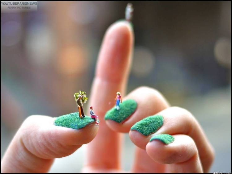 Most Unique Green Nail Paint With Small Toys 3D Rose Flower Nail Art