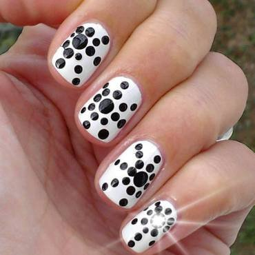 Sparkling Black And White Polka Dot Nail Art With Planet Design