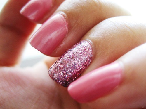 Sparkling Pink Accent Nail Design