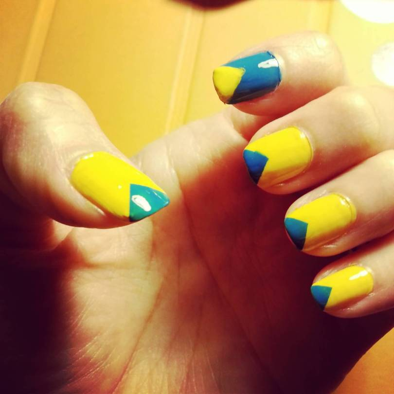 Stunning V Shape Design Yellow And Blue Nails