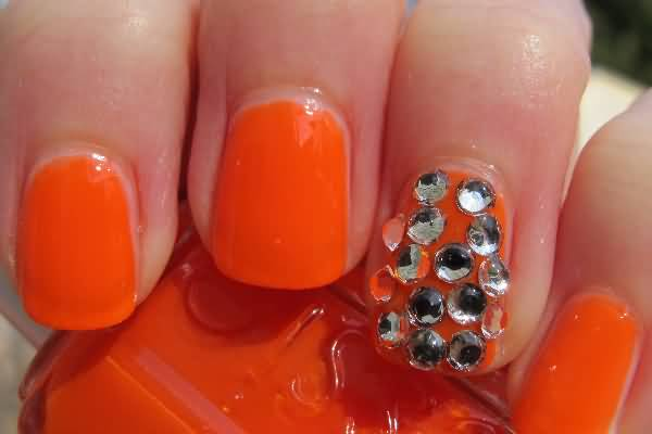 Unique Orange and Shining Rhinestones Accent Nail Art