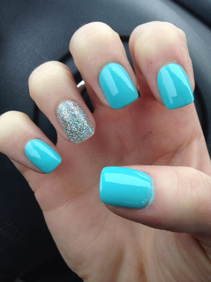 Wonderful Blue Nails With Sky Blue Color And Sparkling Nail Paint