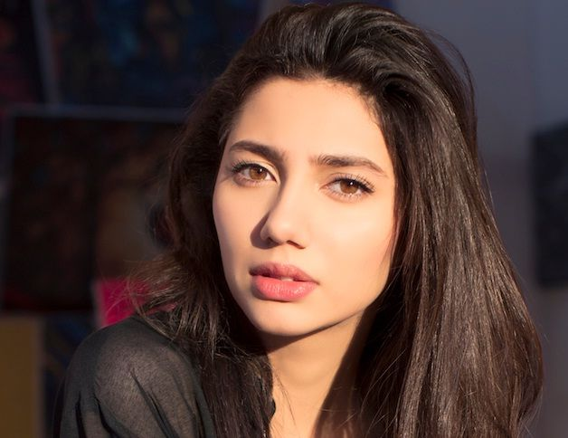 very nice pic of mahira khan