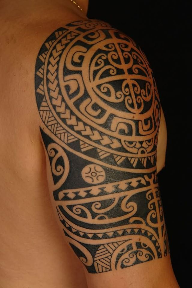 Attractive Aztec Tattoo on Shoulder for Tattoo Fans