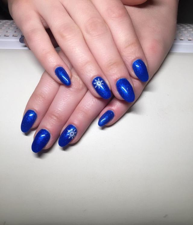 Fabulous Blue Nails With Star Design