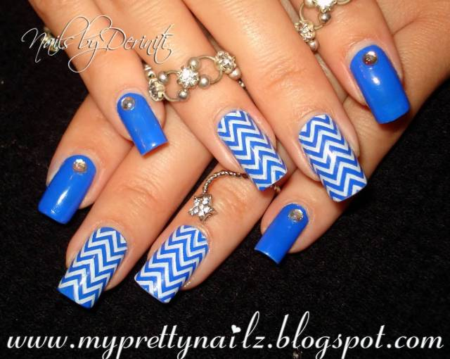 Phenomenal Blue Nails With White Stripes