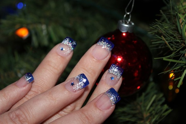 Tremendous Blue And Silver Nails With Silver Tip