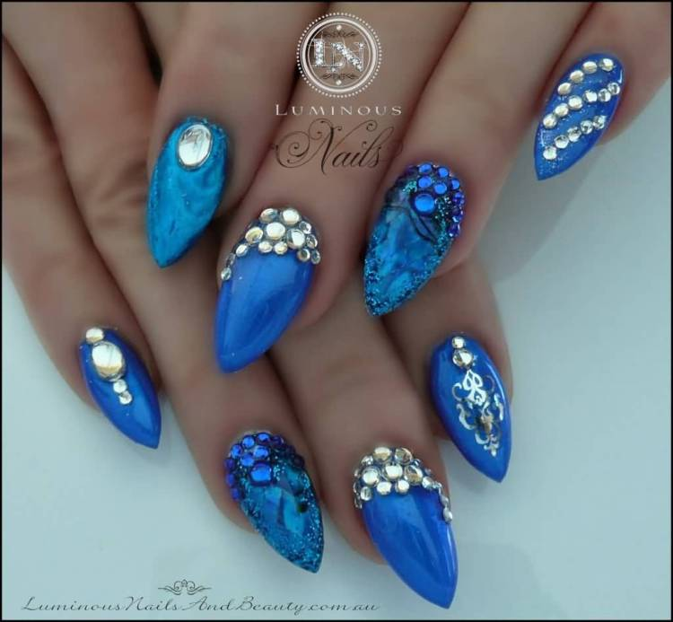 Wonderful Blue Nails With Crystal Design