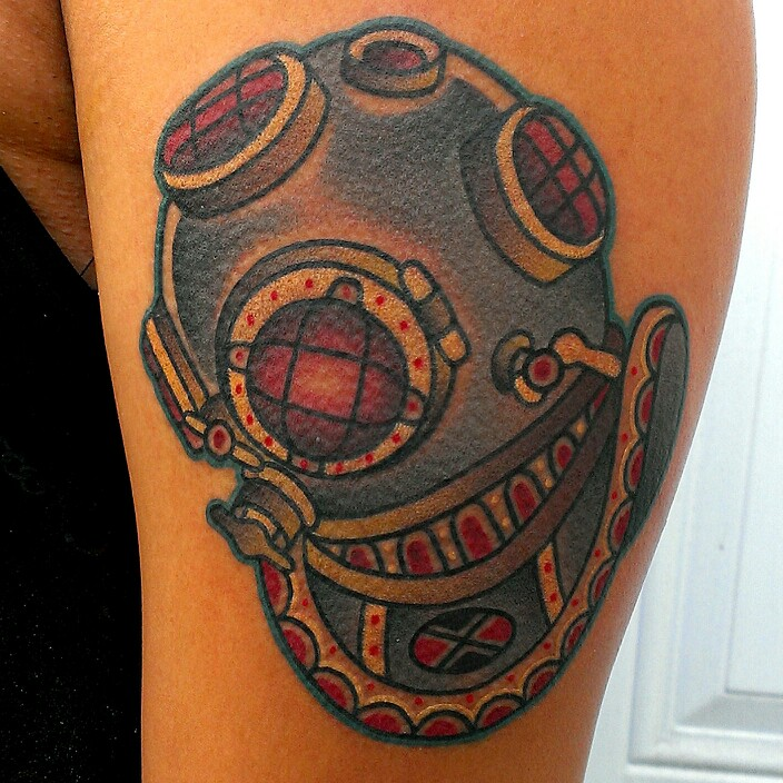 Inspiring Diving Helmet Tattoo On shoulder