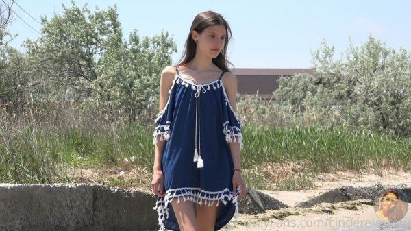 CinderellaStory Nika Walking
