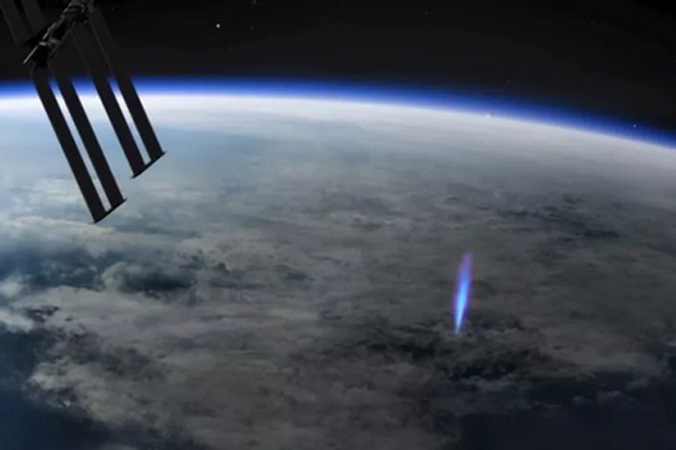 ISS Station Catches the Blue Lightning Incident Out of the World …