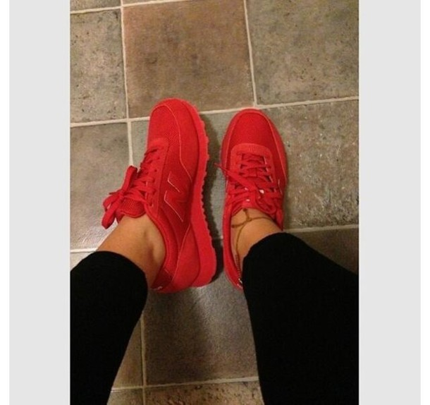 Black Socks Shorts Red Red Picture Shirt Shoes And And Black Red And