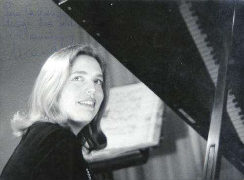 Portrait of Maria Tipo (1931): Photograph | Apartirdecero