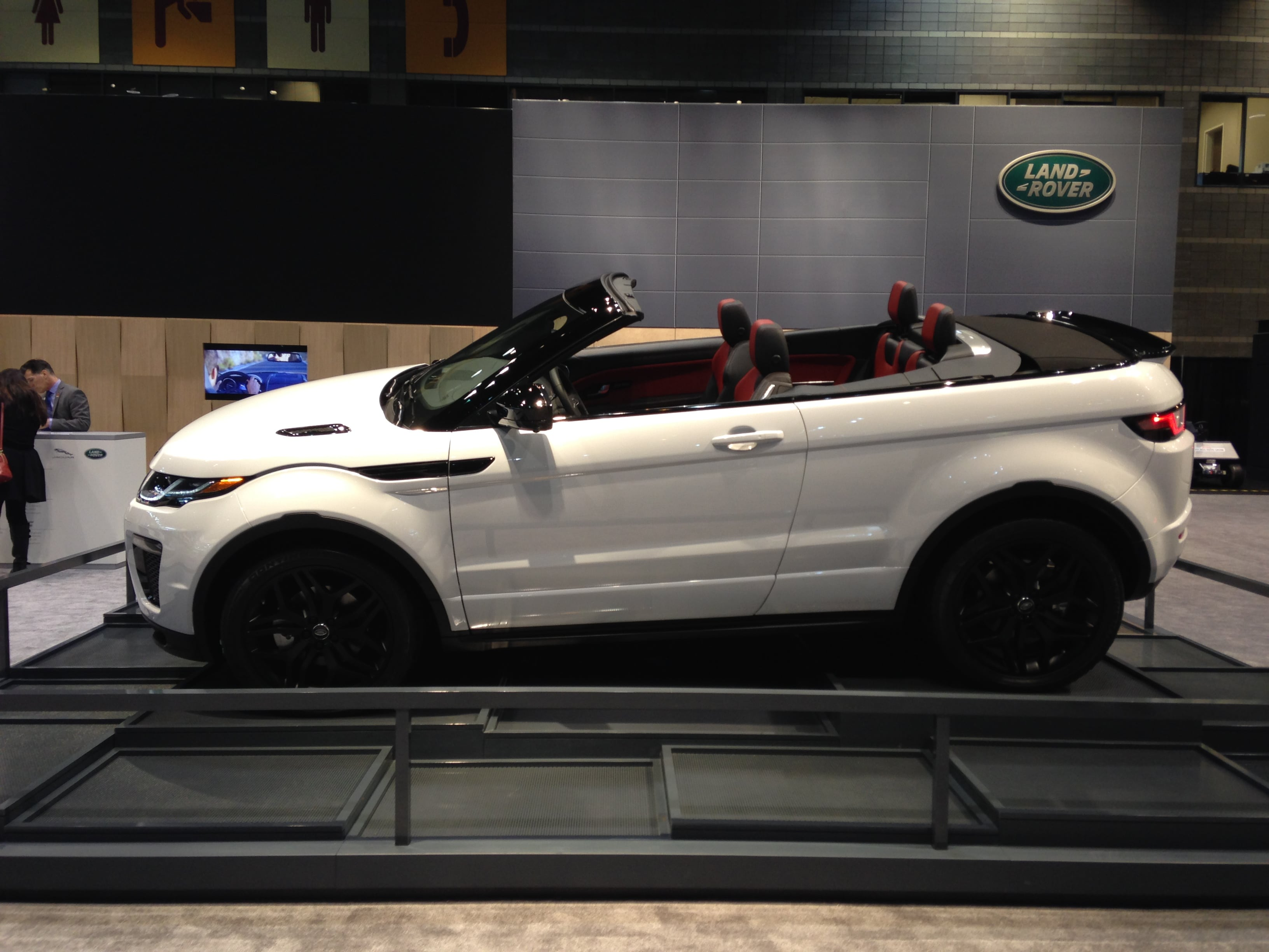 Land Rover Vehicles at the Chicago Auto Show