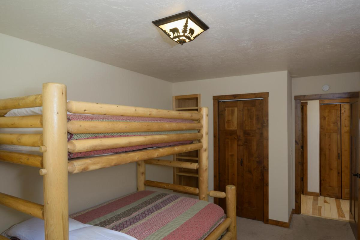 Double/Twin Bunk Bed