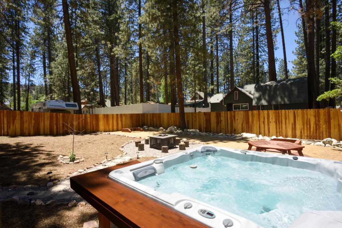 Outdoor Spa & Private Backyard