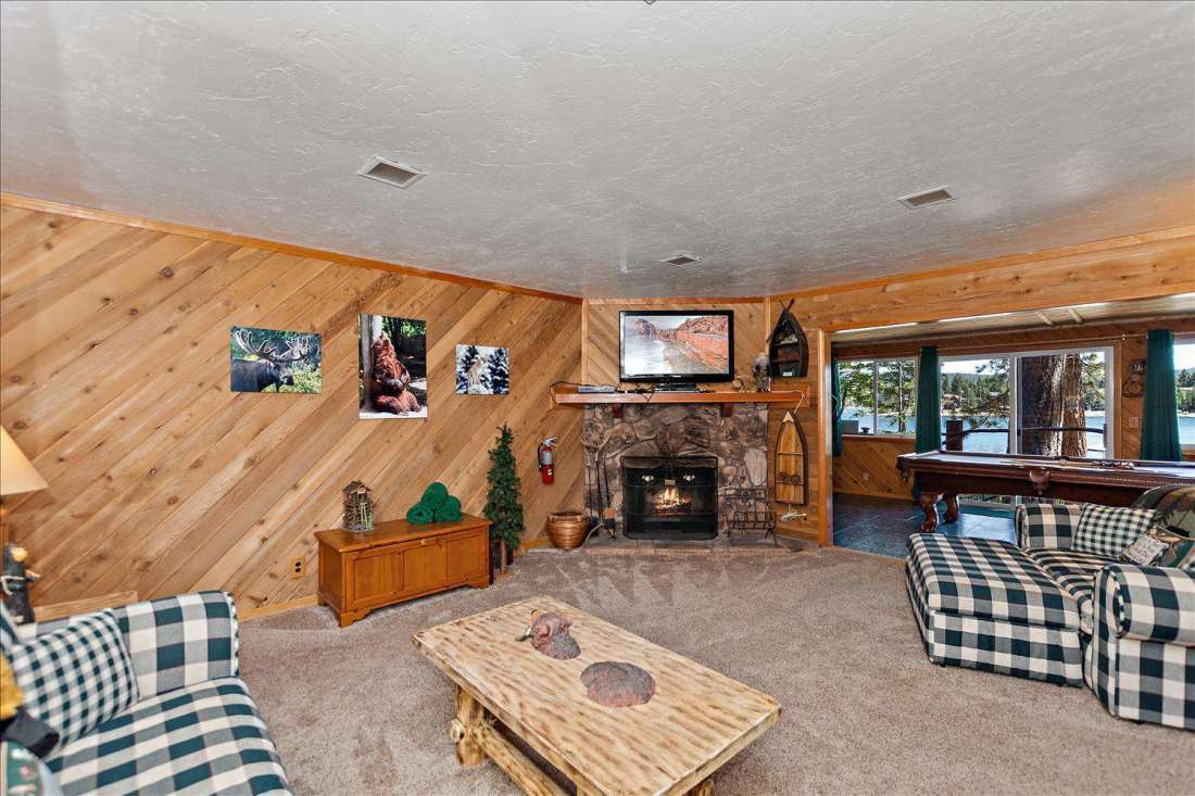 Family room with views to the lake