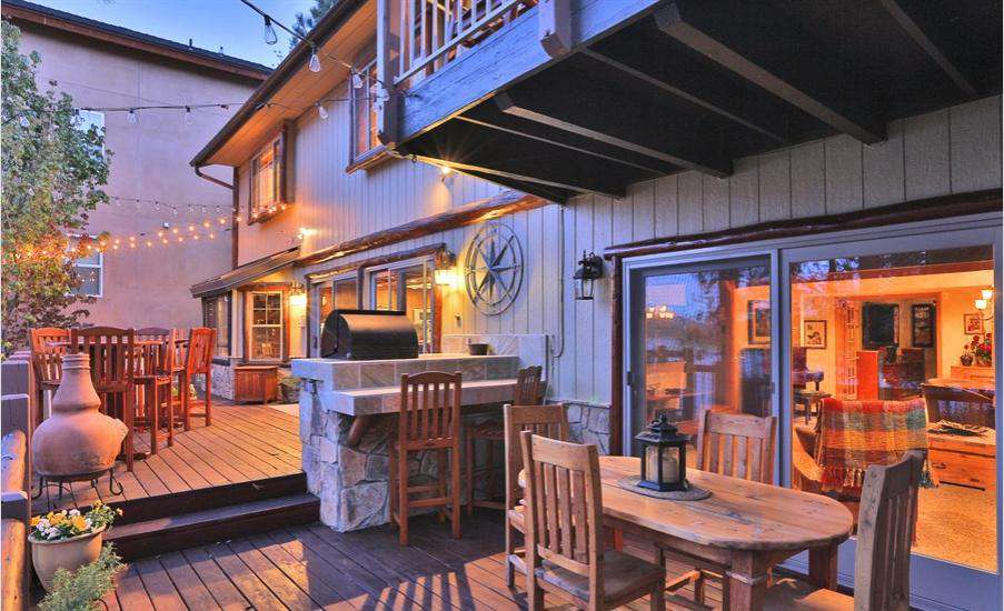 A back yard and deck made for entertaining and relaxing
