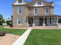 Beautiful Victorian home is walking distance from Fruita Downtown thumb
