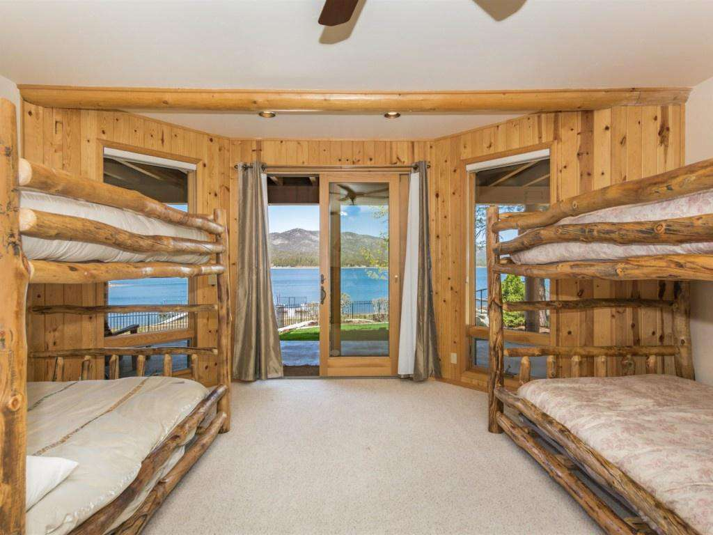 Bedroom 4 has 2 bunks that are Q over Q