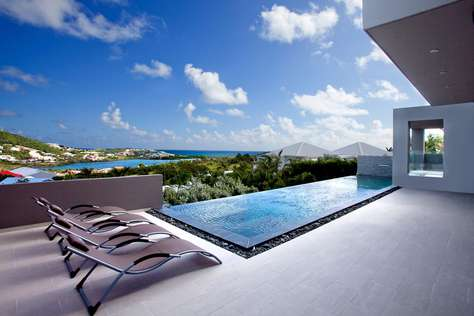 Emvie - 3 Bedroom Villa