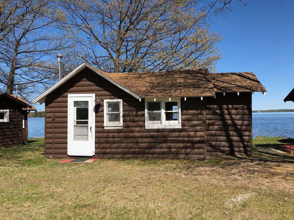 "Cabin #5 – ""Mitigwa"" - property"