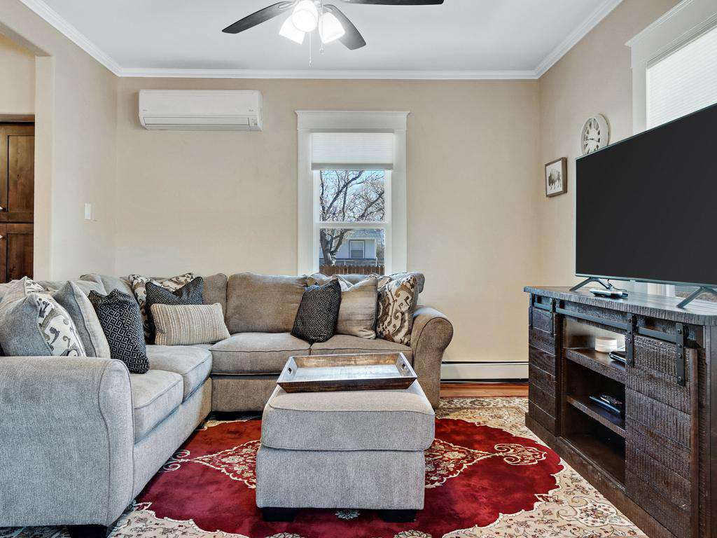 Cozy living room with cable and a DVD player to spend some quality time with the family.
