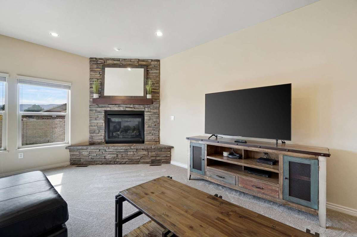 Gas fire place to use during your stay