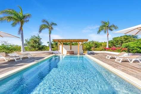 La Hacienda - 4 Bedroom Villa