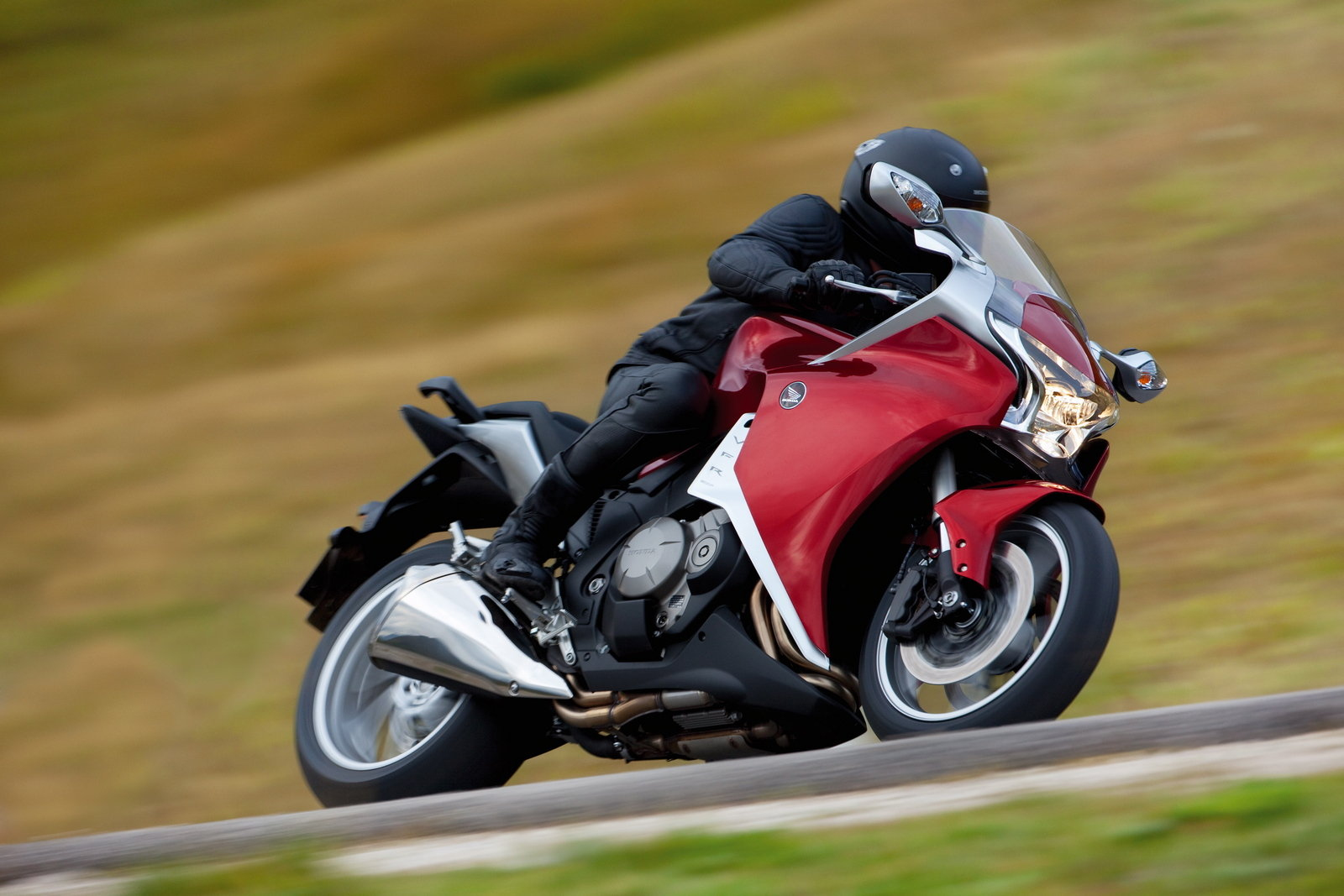 2010 Honda Vfr1200f Gallery 326065 Top Speed