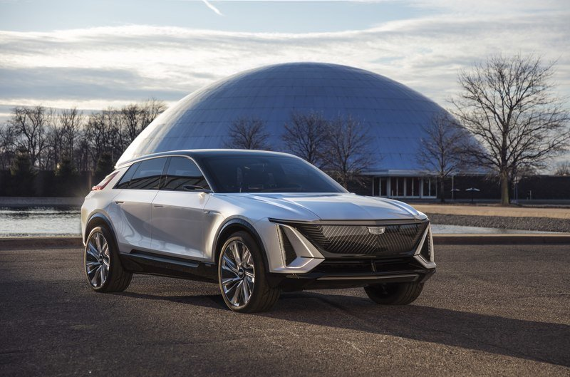 2023 Cadillac Lyriq EV – Futuristic Styling and Tech That Won't Make It To Production Exterior - image 927131