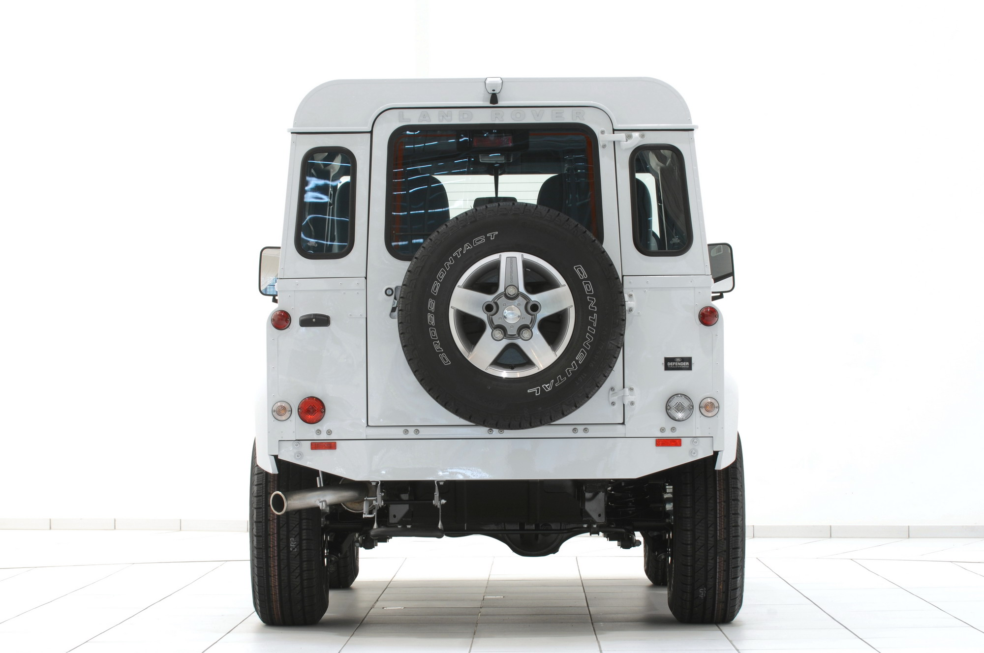 2010 Land Rover Defender 90 Yachting Edition By Startech Review